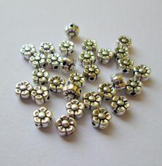 Fémgyöngy  - 5 mm - antik ezüst virág