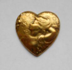 Sárgaréz  szív veret - 28 x 28 mm - 1 db