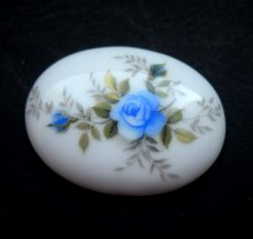 Porcelain cameo - 40x30 mm