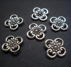 Antik ezüst virágmintás köztes - 16 mm