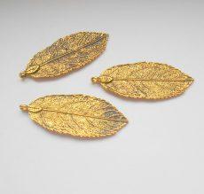 Levél medál - 48*20 mm - antik arany