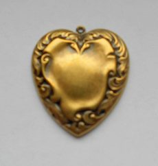 Brass heart stamping - 45x45 mm