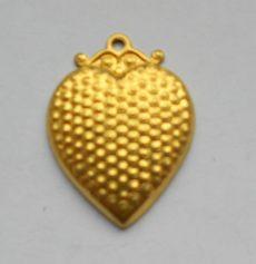 Sárgaréz  szív veret - 30 x 21 mm - 1 db