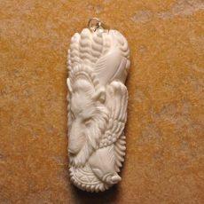 Kézzel faragott bivalycsont kaboson - 68x28 mm