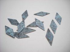 Vörösréz rombusz  - szürke patina - 18*8 mm