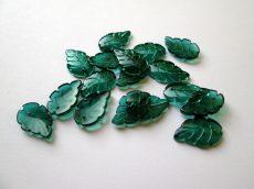 Üveg levél medál - 24x15 mm - smaragdzöld