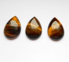 Tiger's Eye cabochon - 30x22 mm
