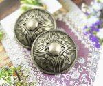 Kerek virágmintás fémgomb - 18 mm - antik ezüst