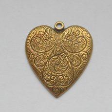 Sárgaréz  szív veret - 28 x 24 mm - 1 db