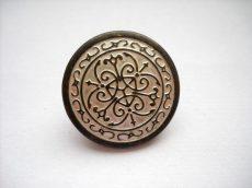 Antique finish metal shank button - 23 mm - bronze