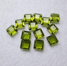 Swarovski kristály négyzet alakú kő - 8 mm - olivine - UF