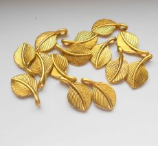 Leaf charm - 28*16 mm - antique gold