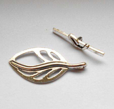 Levélmintás kapocs - ezüst 38*18 mm