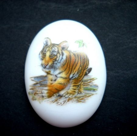 Porcelán kaboson - 40*30 mm - tigris