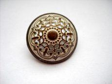 Antique finish metal shank button - 23 mm - patina