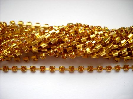 Strasszlánc - 3,2 mm - light topaz -arany - 25 cm
