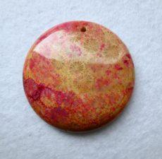 Korall fosszília kaboson - 42 mm - fúrt