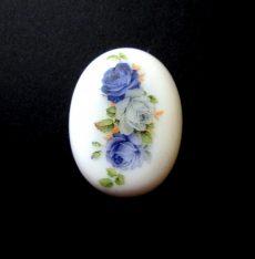 Porcelán kaboson - 40*30 mm - kék rózsák