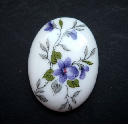 Porcelán kaboson - 40*30 mm - ibolya